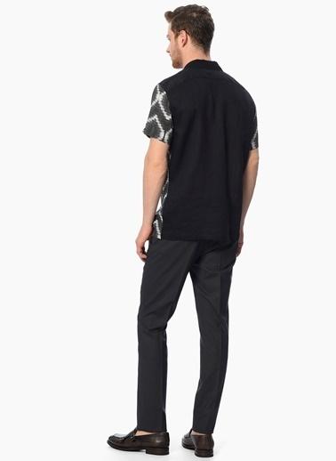 Network Desenli Slim Fit Kısa Kollu Gömlek Siyah